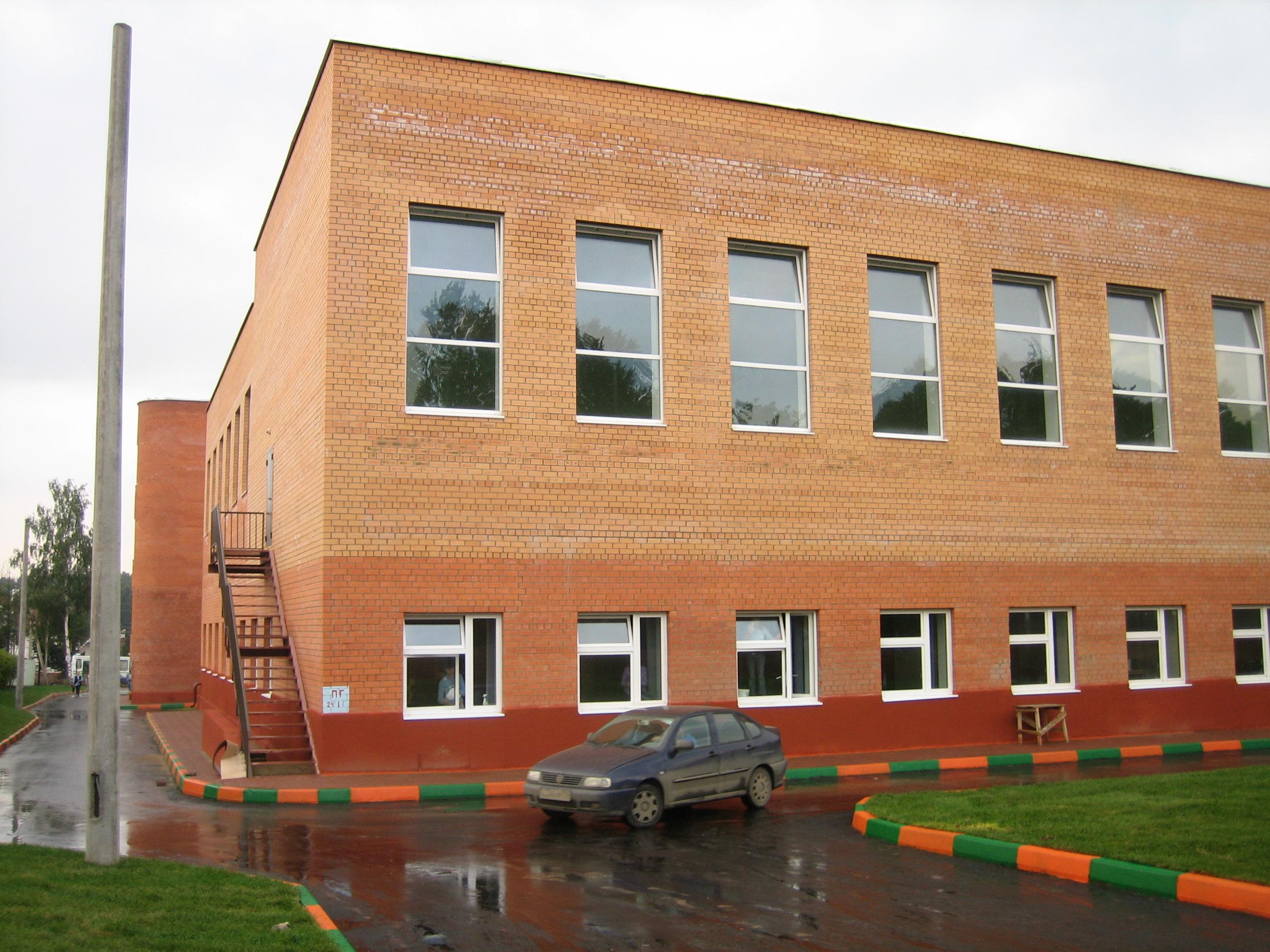 На основании распоряжения главы ленинского района зао мост-11 возобновил в октябре 2004 года реконструкцию объекта